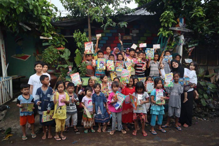 Foto Bersama di Literasi Anak Kampung