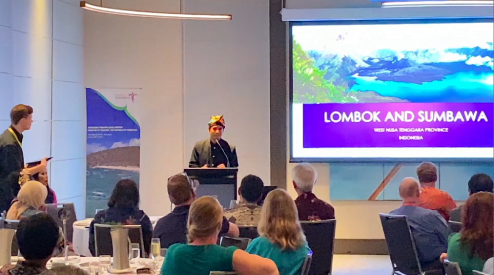 The presentation explained Lombok and Sumbawa tourist destinations in several different categories: geographically/location, interest-based (beach/mountain, diving/snorkeling/hiking, adventure/leisure, cultural experience, etc).