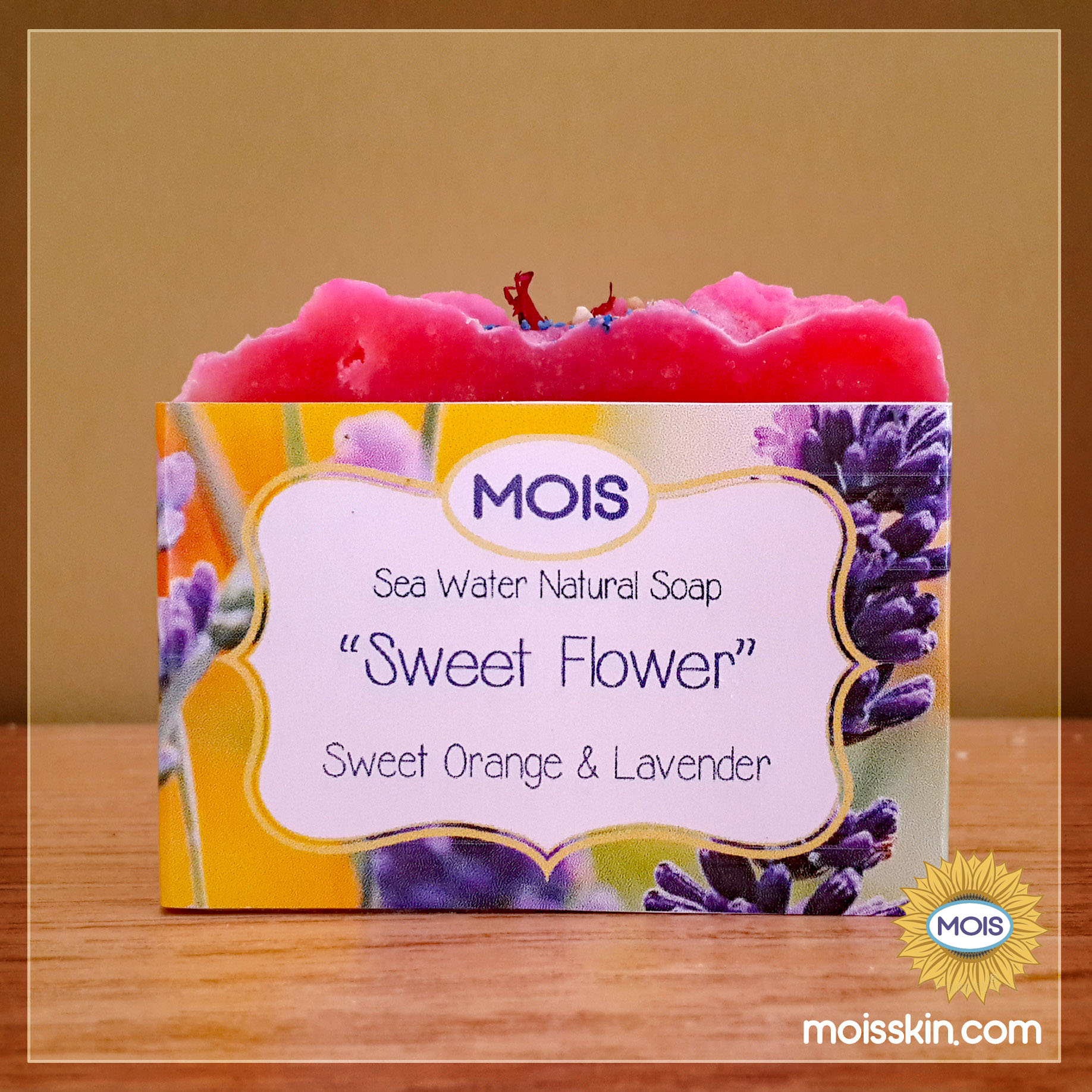Unique fruity and flowery fragrant that makes your day beautiful.